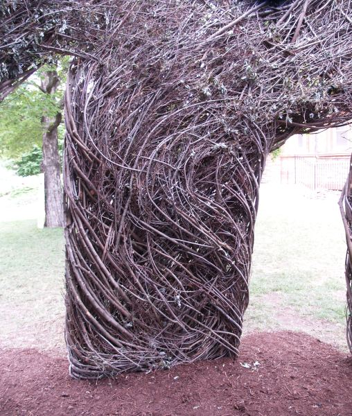 Patrick Dougherty KU Sculpture 007